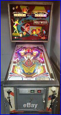 1976 Hollywood Pinball Machine 2 Player Chicago Coin
