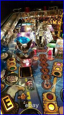 Harley Davidson 1st Edition and Mint Condition Pinball Machine Perfect Gift