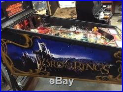LORD of the RINGS Pinball Machine by STERN