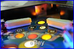 Spectacular! Eight ball Deluxe Collector Pinball MACHINE clean! New Playfield