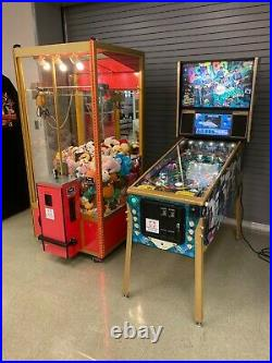 Stern The Beatles pinball & Smart Industries Classic Crane claw with prizes