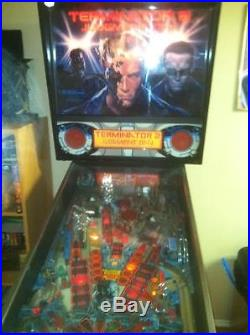 TERMINATOR 2 JUDGEMENT DAY PINBALL MACHINE MADE BY WILLIAMS EXCELLENT CONDITION