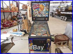 Tales From The Crypt Pinball Machine in working condition! 1993 model
